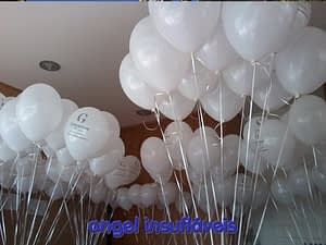 balões com fitas