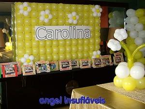 mural de balões com flores