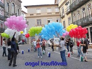 largada de balões com fitas