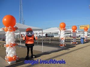coluna de balões festa continental