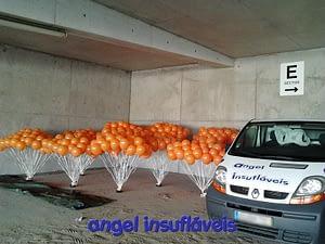 balões com gás hélio e fitas