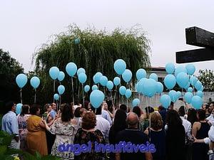 largada de balões em batizado